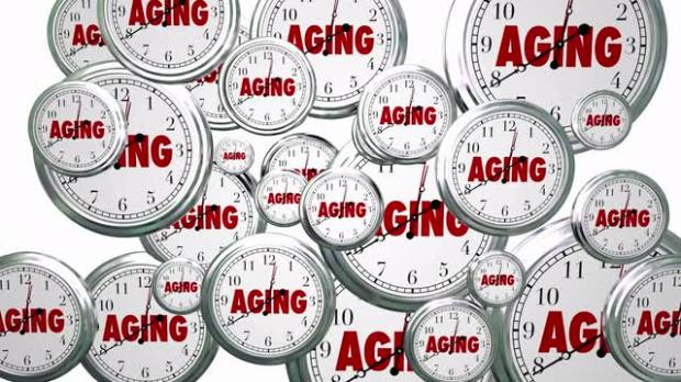 aging-time-passing-flying-clocks-animated-video_4kowkuu6__M0000